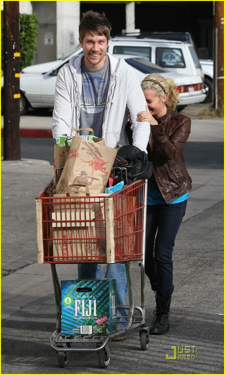 ashley tisdale scott speer trader joes 37