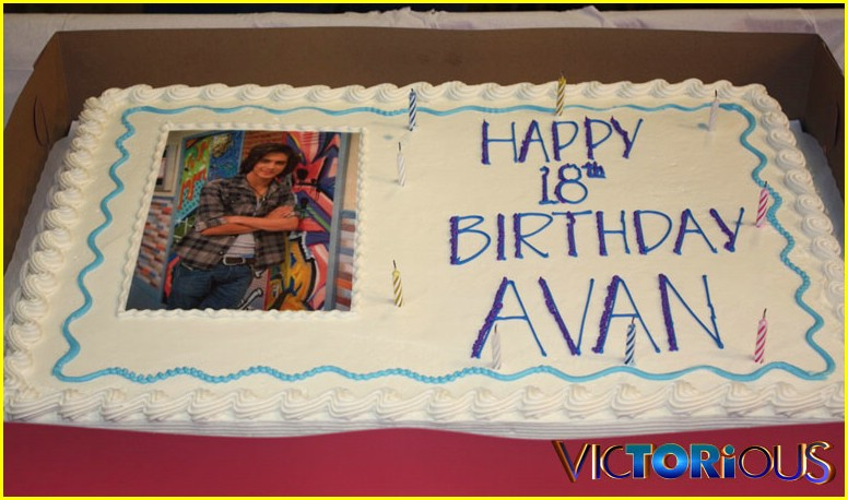 avan jogia bday 02