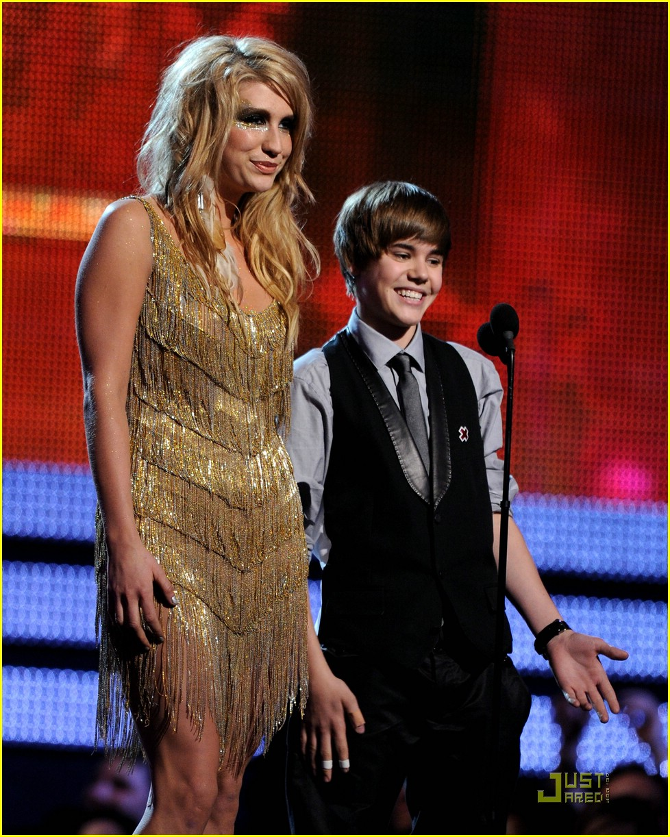 justin bieber 2010 grammys 14
