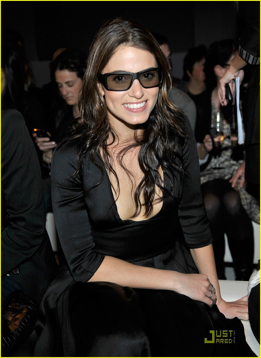 nikki reed burberry beauty 03
