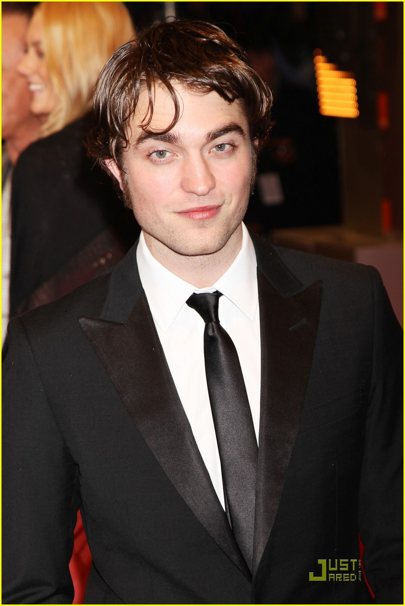 robert pattinson bafta awards 01