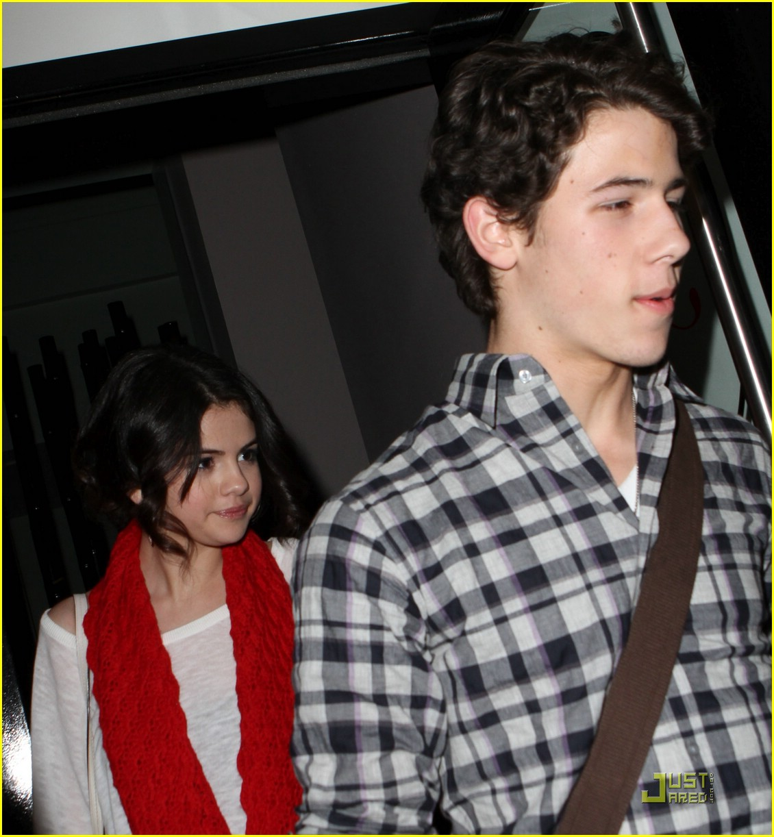 are selena gomez and nick jonas dating 2010