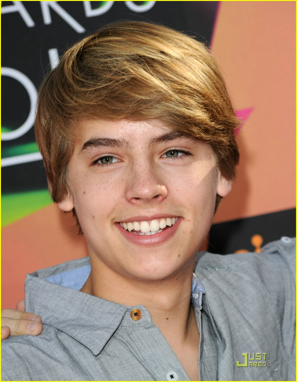 Sized Photo of dylan cole sprouse kca awards 17 | Dylan & Cole Sprouse
