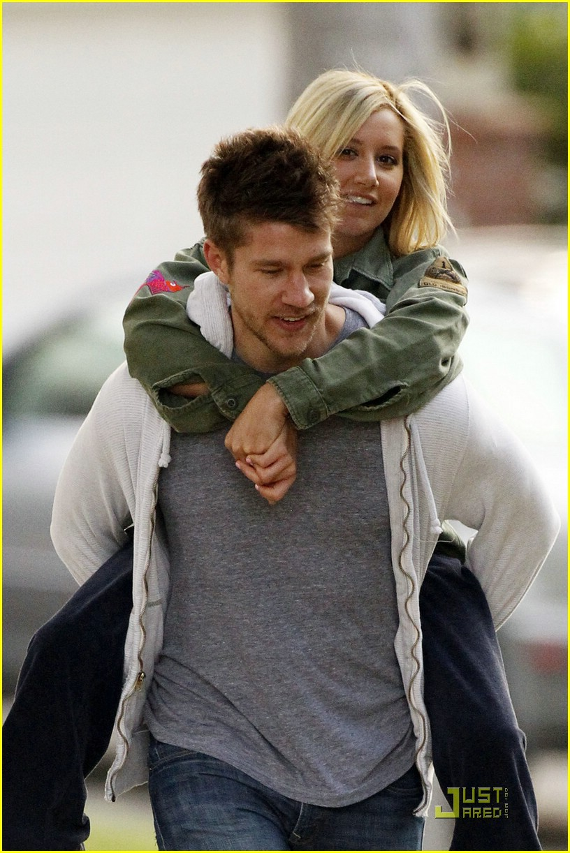 ashley tisdale scott speer piggyback 02