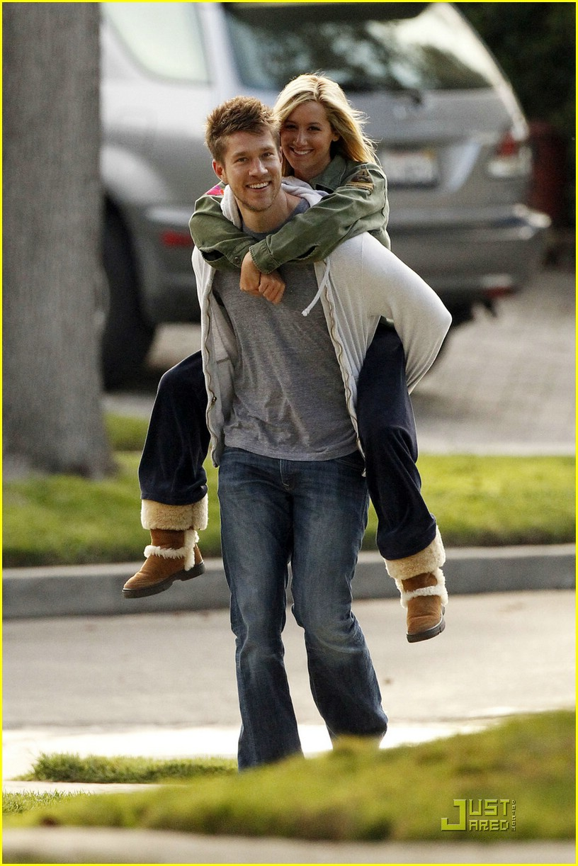 ashley tisdale scott speer piggyback 03