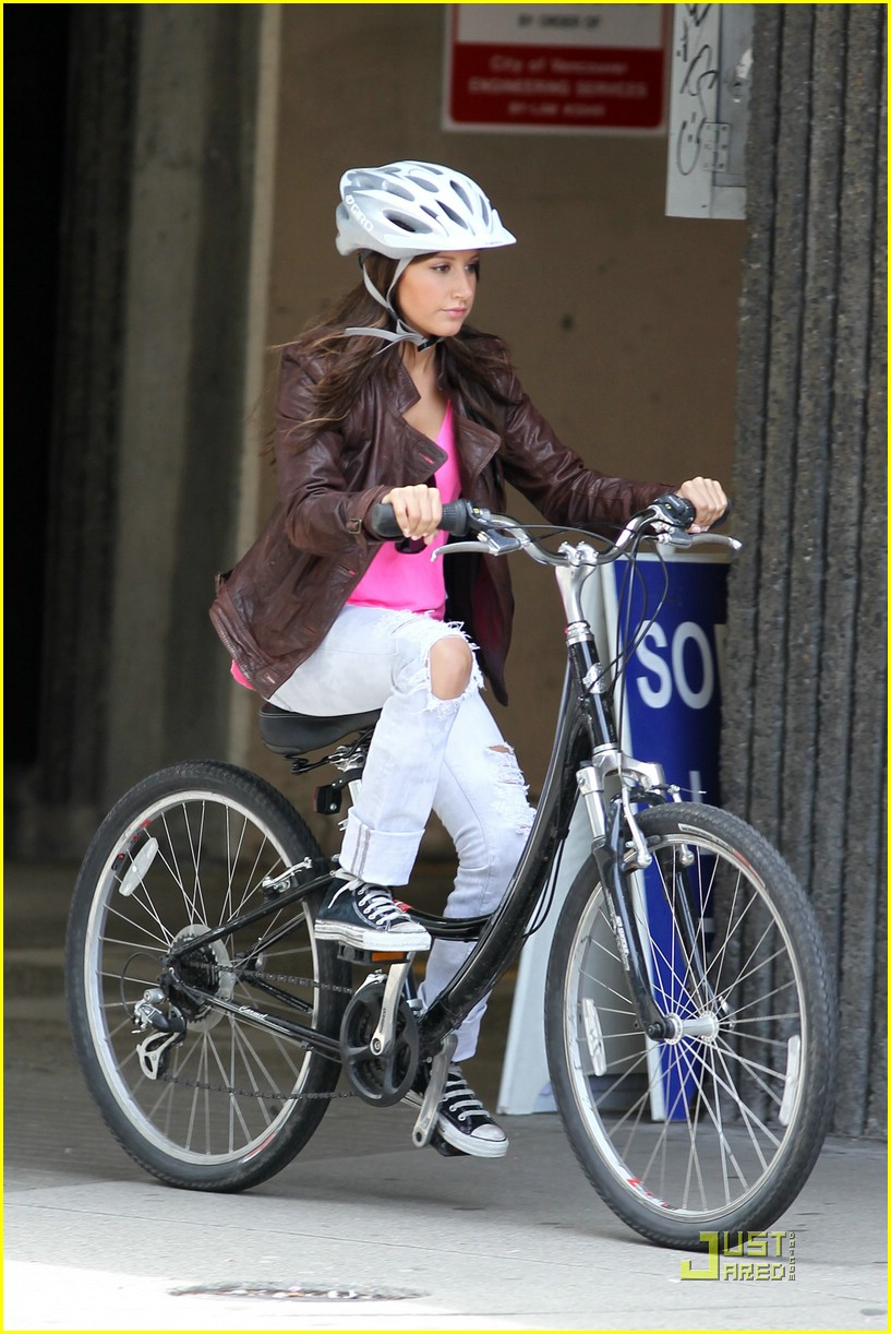 ashley tisdale scott speer biking 14