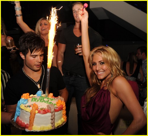 cassie scerbo birthday bash 06