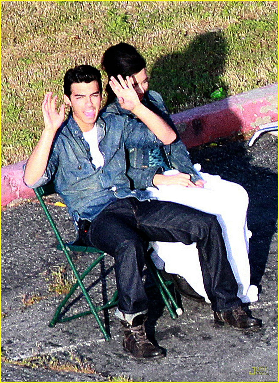 joe jonas demi lovato shoot sweet 01