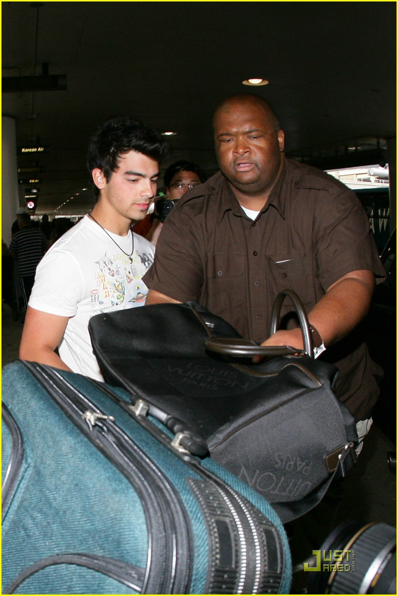 joe jonas cabo cutoffs 05