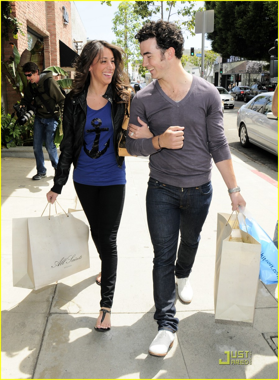 kevin danielle jonas cute kitson 04