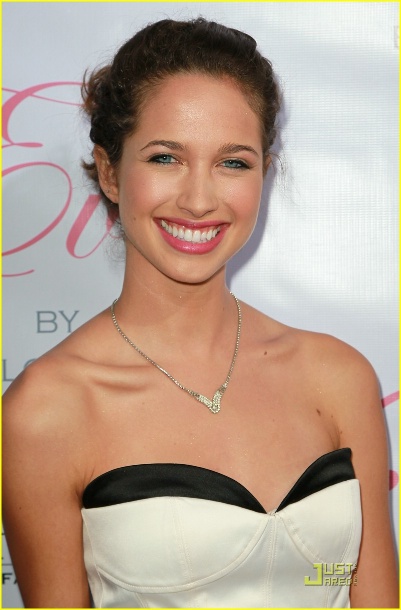 maiara walsh eva launch 01