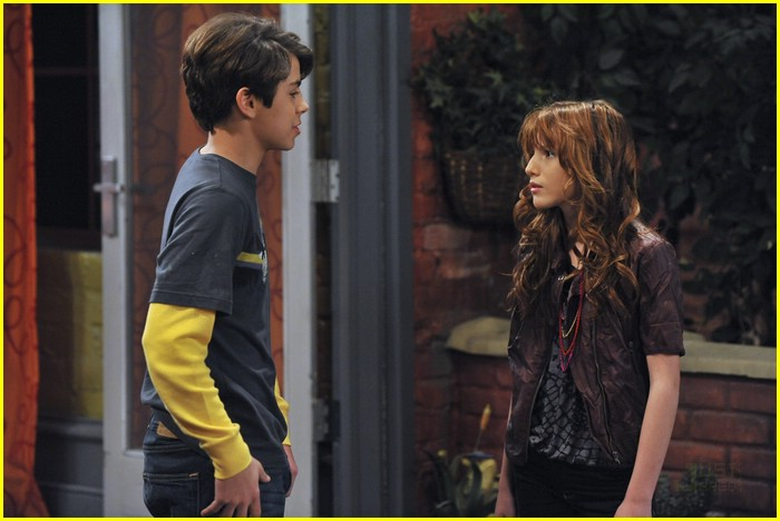 place wizards of Bella thorne waverly