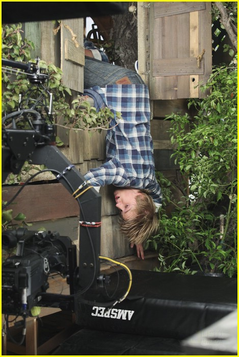 bridgit mendler jason dolley tree 04