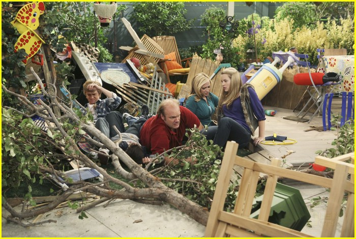 bridgit mendler jason dolley tree 10