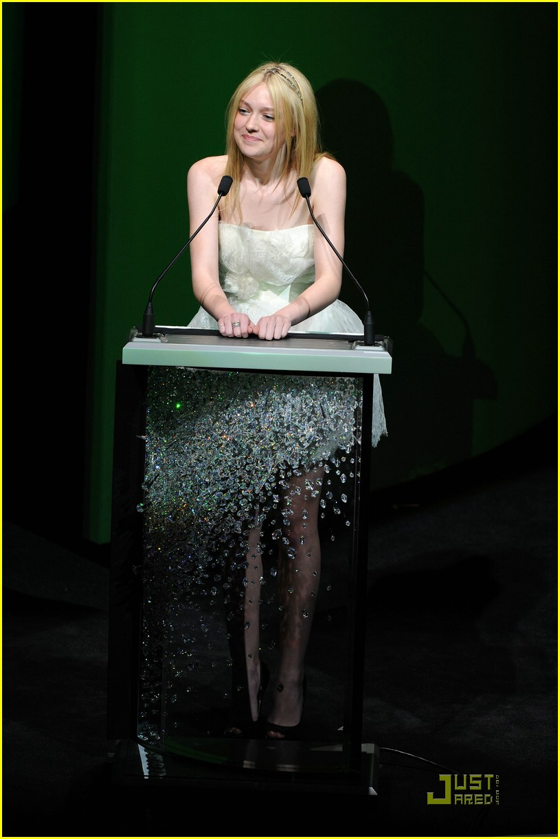 dakota fanning cfda awards 16