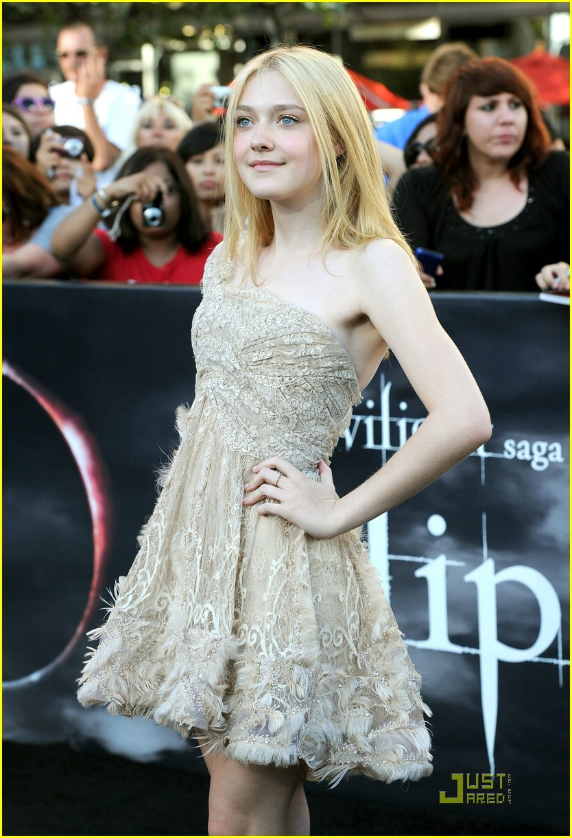 dakota fanning eclipse premiere 01