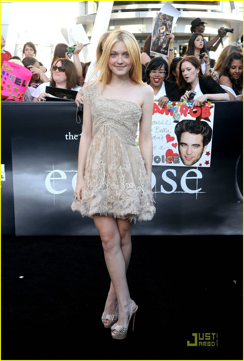 dakota fanning eclipse premiere 04