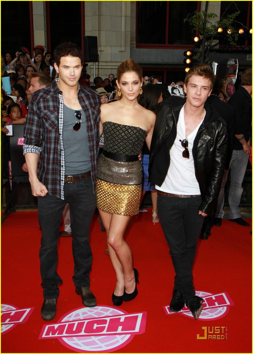 ashley greene kellan lutz mmva 03