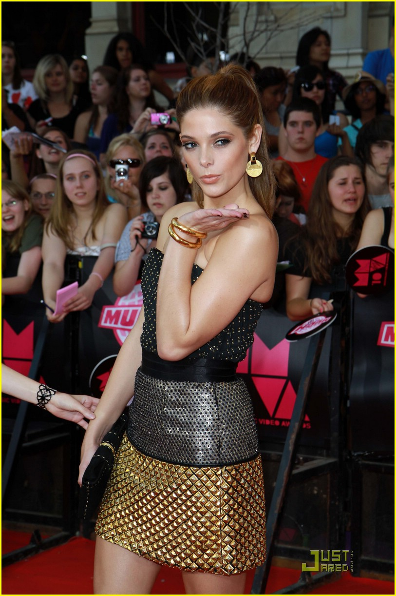 ashley greene kellan lutz mmva 05
