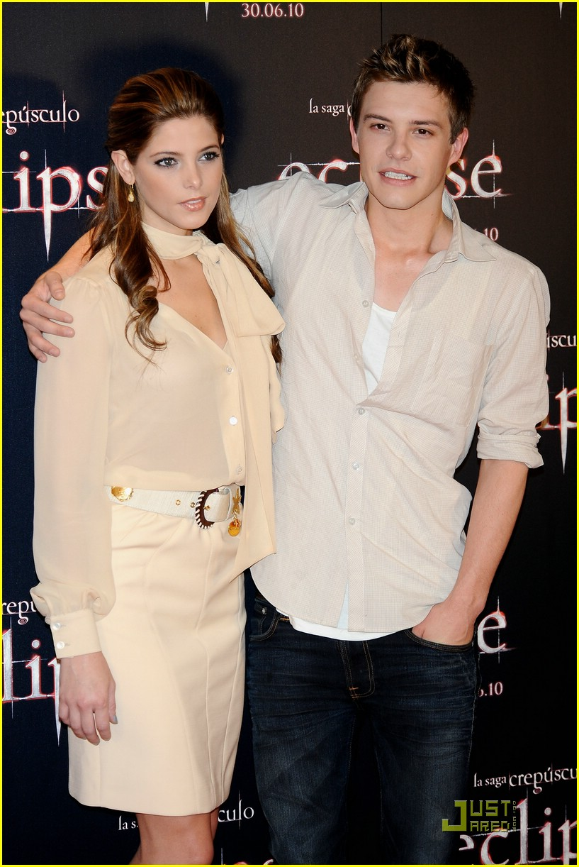 ashley greene xavier samuel madrid 11