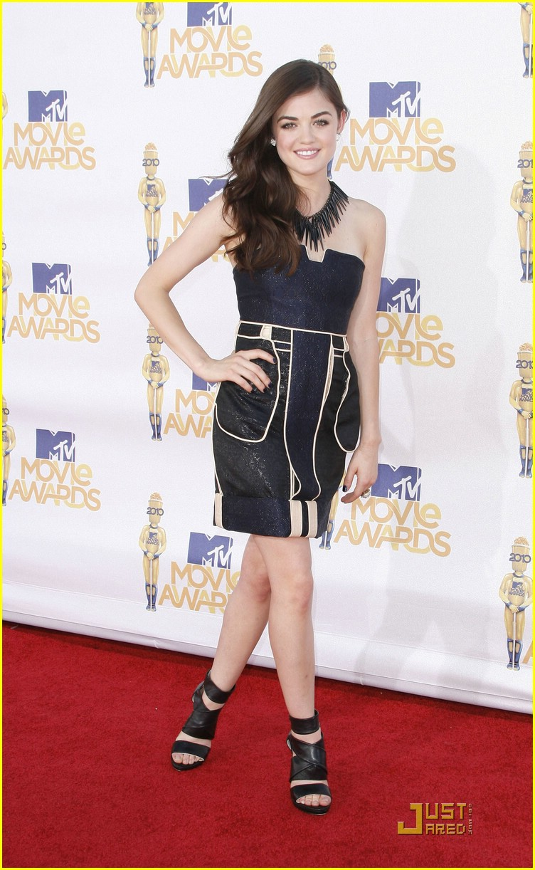 lucy hale mtv awards 12