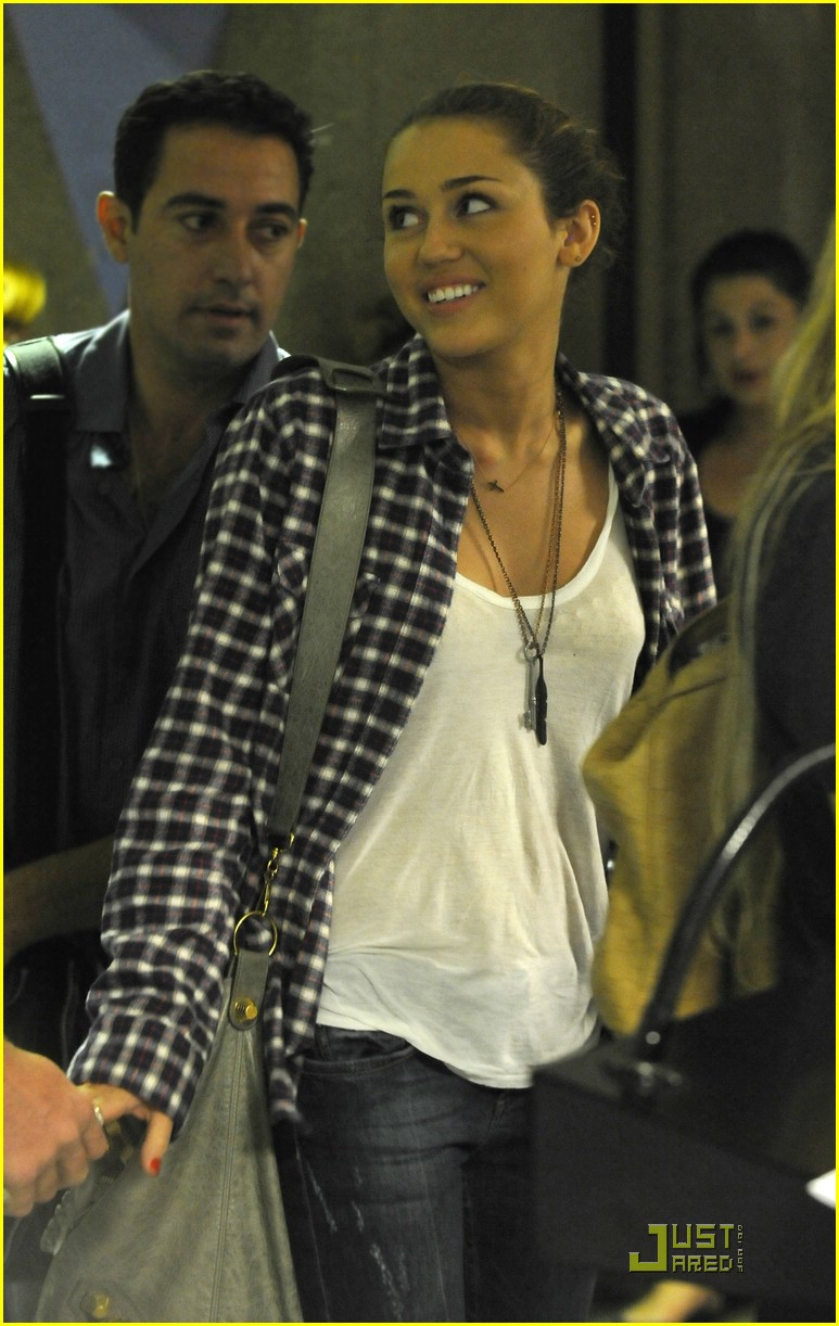 miley cyrus liam lax 01