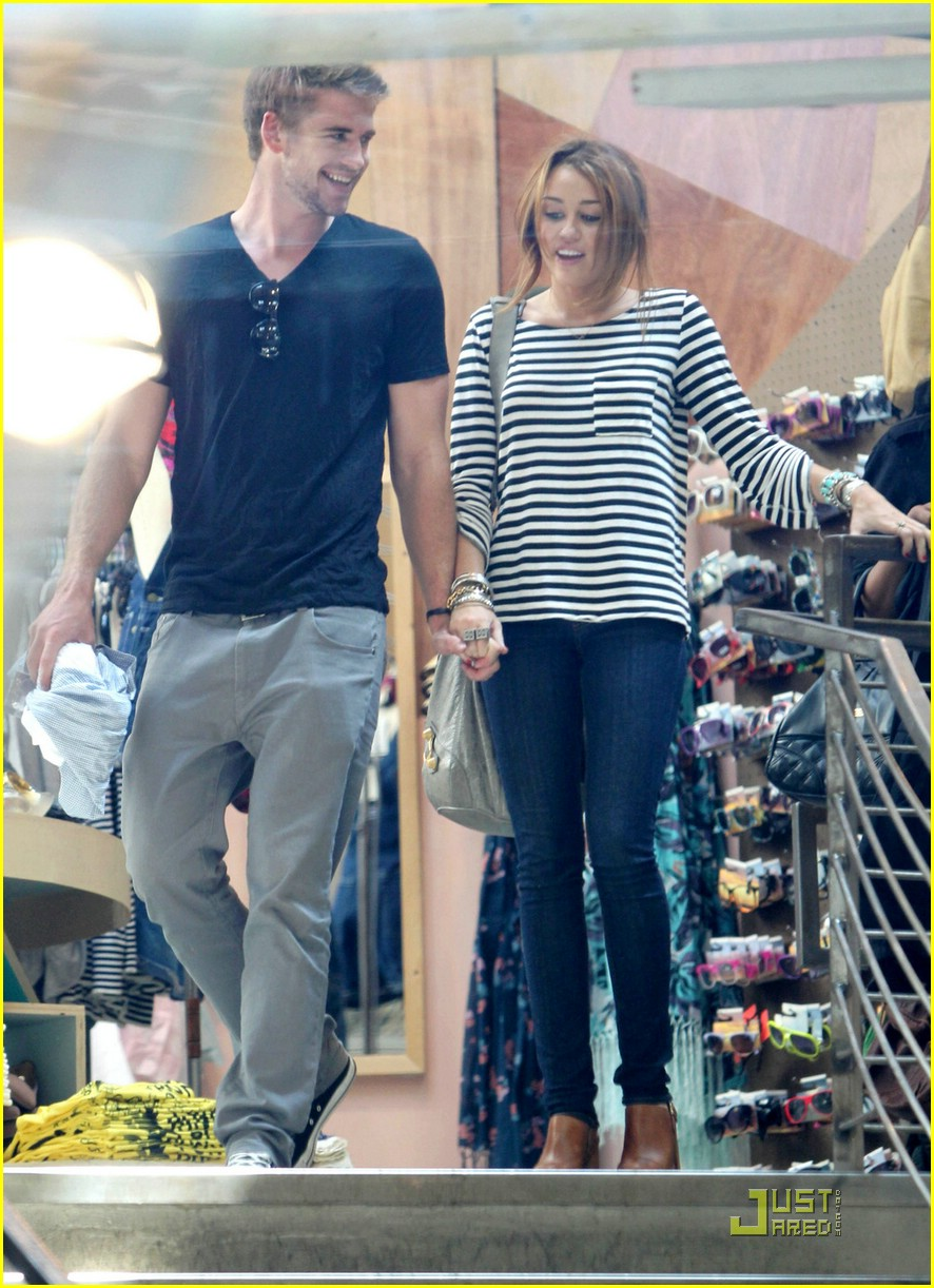 miley cyrus liam hemsworth melrose 03