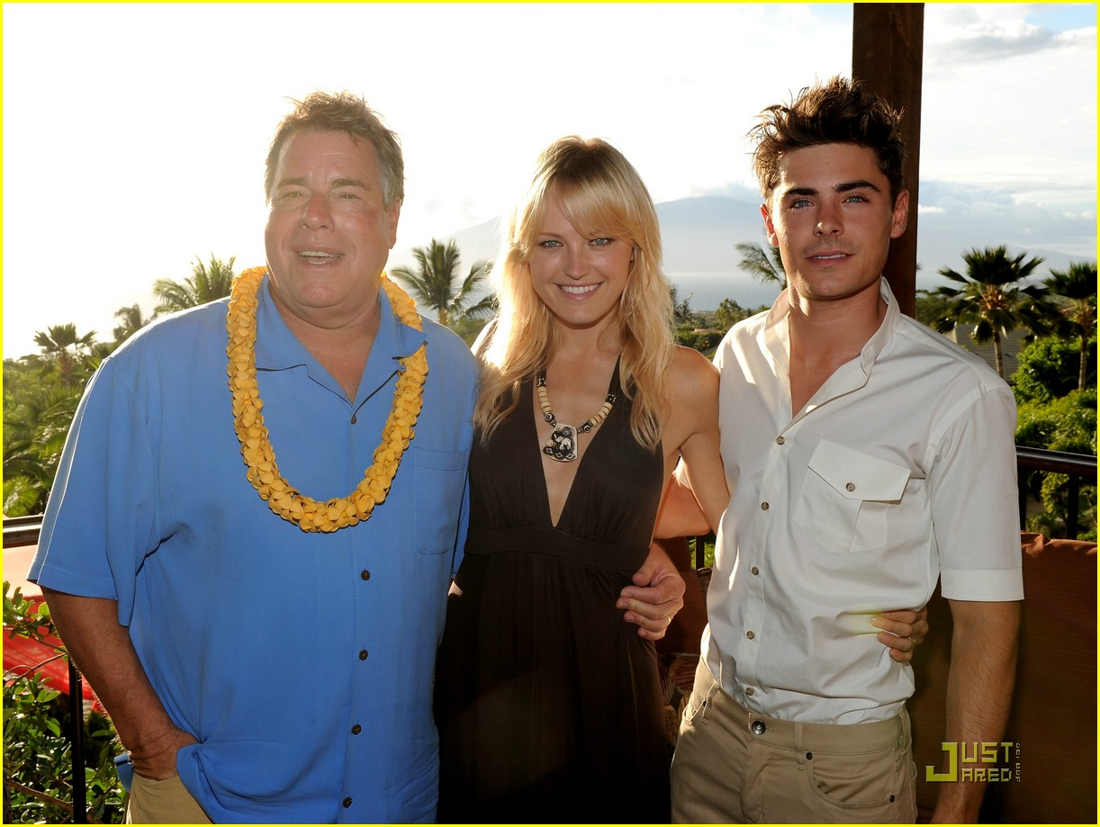 zac efron shining star award maui 13