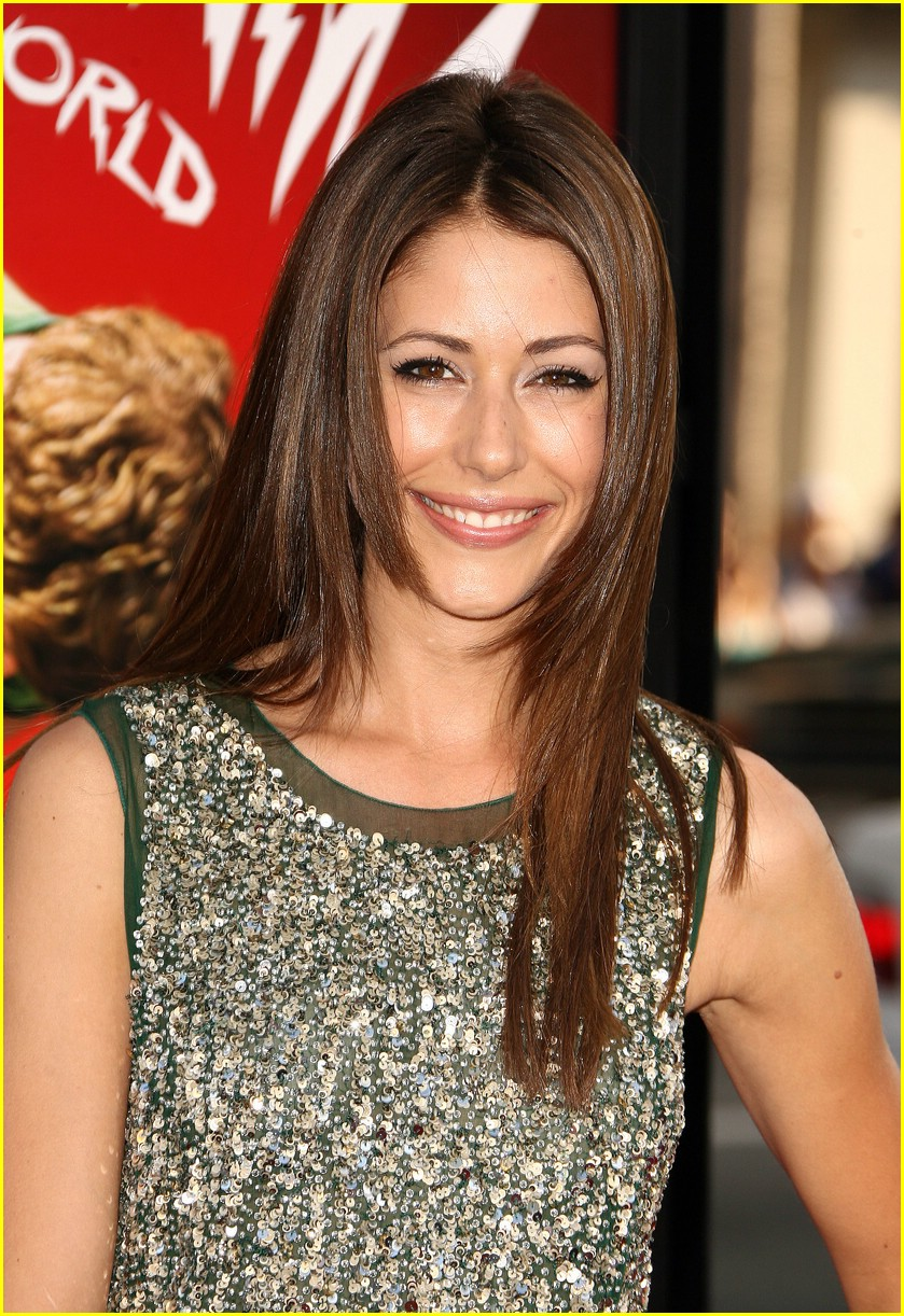 amanda crew repeater pilgrim premiere 02