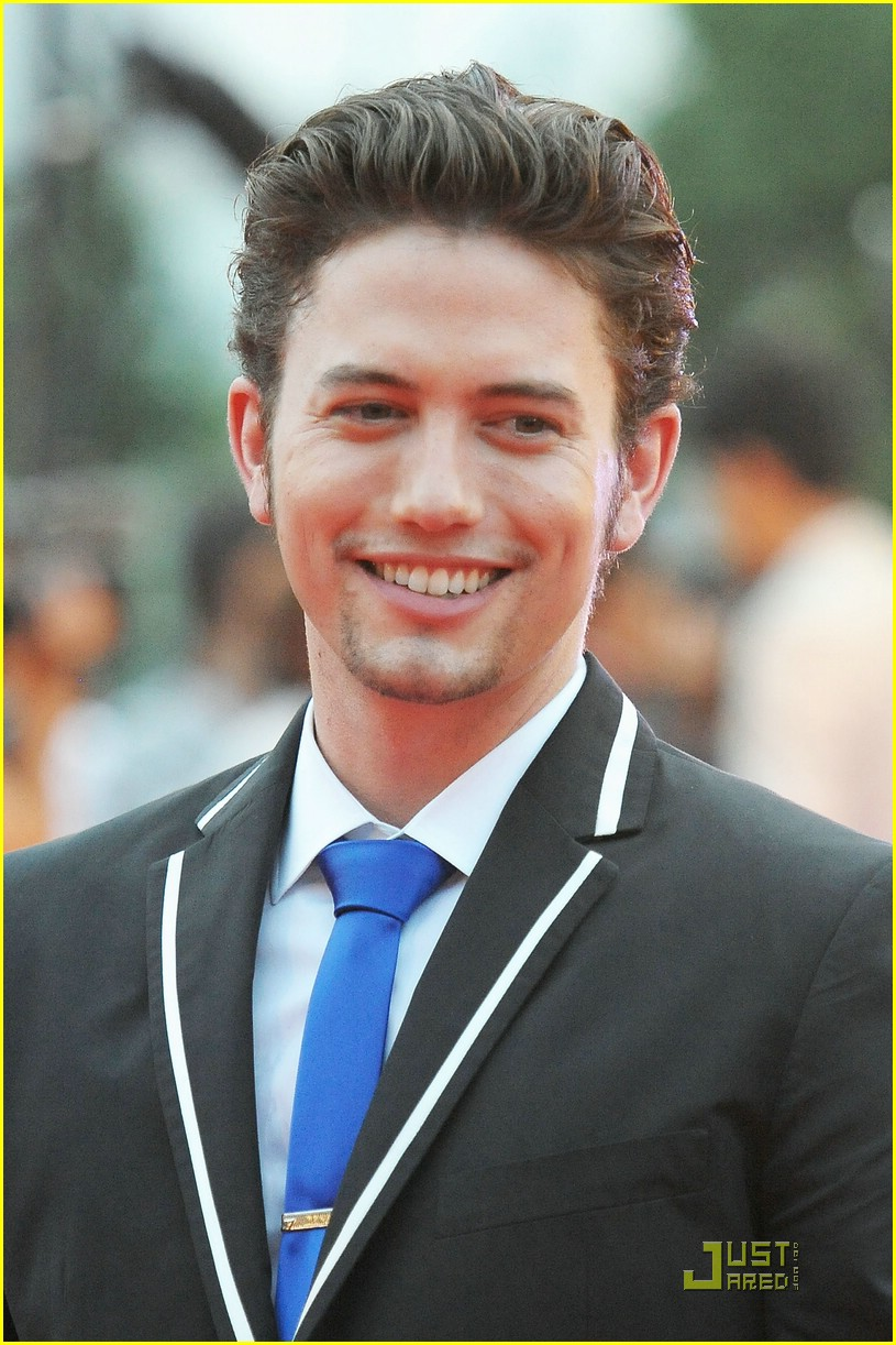 jackson rathbone tokyo airbender 01