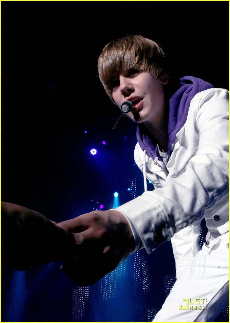 justin bieber tca awards 09
