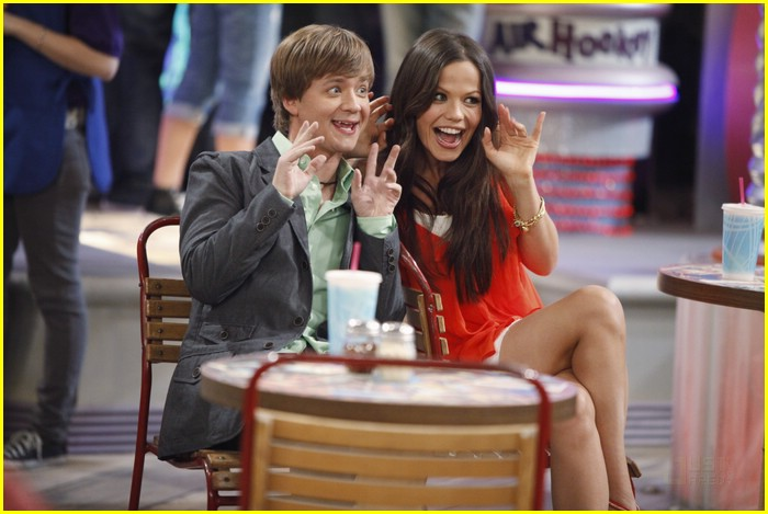 hannah montana lunch crowd 03