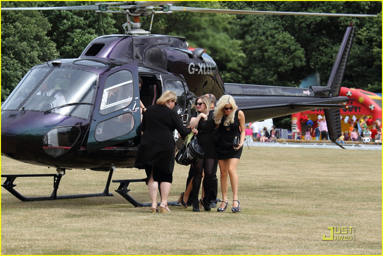 pixie lott polo match 04