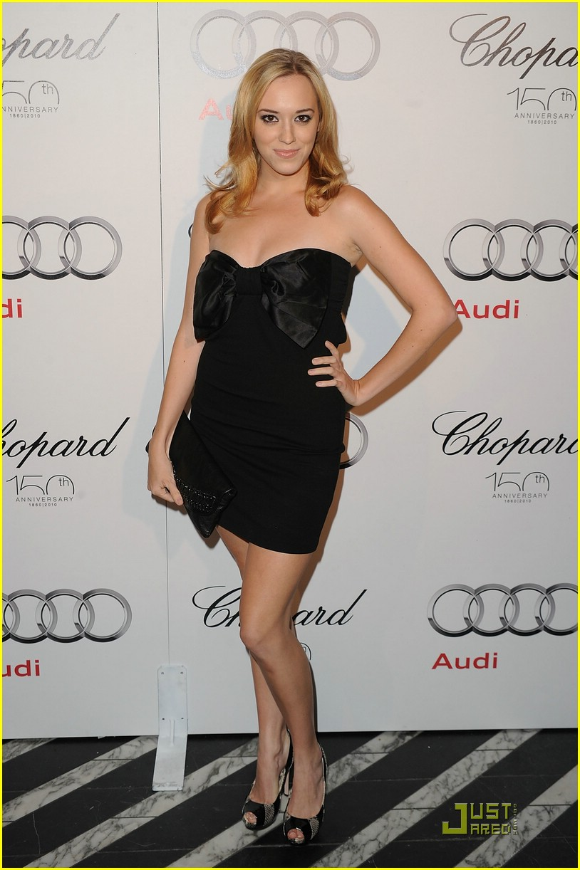 andrea bowen after fall premiere 06