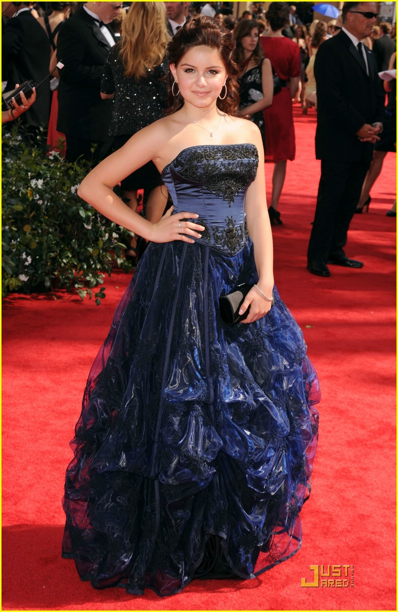 ariel winter 2010 emmys 13