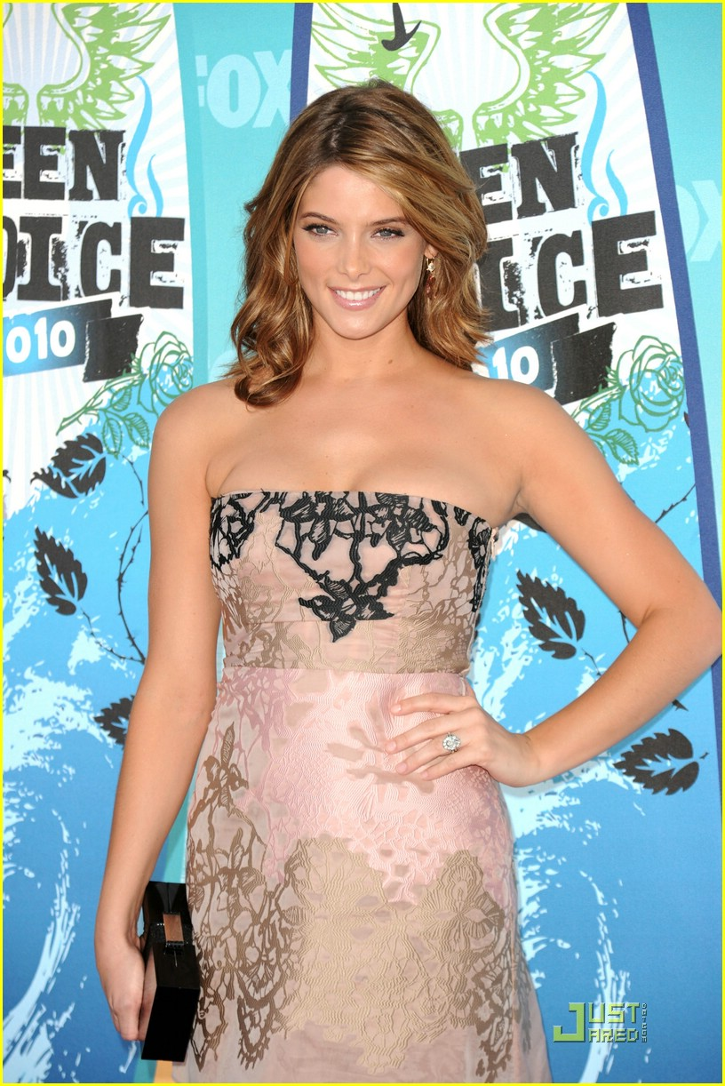 ashley greene 2010 tca 01