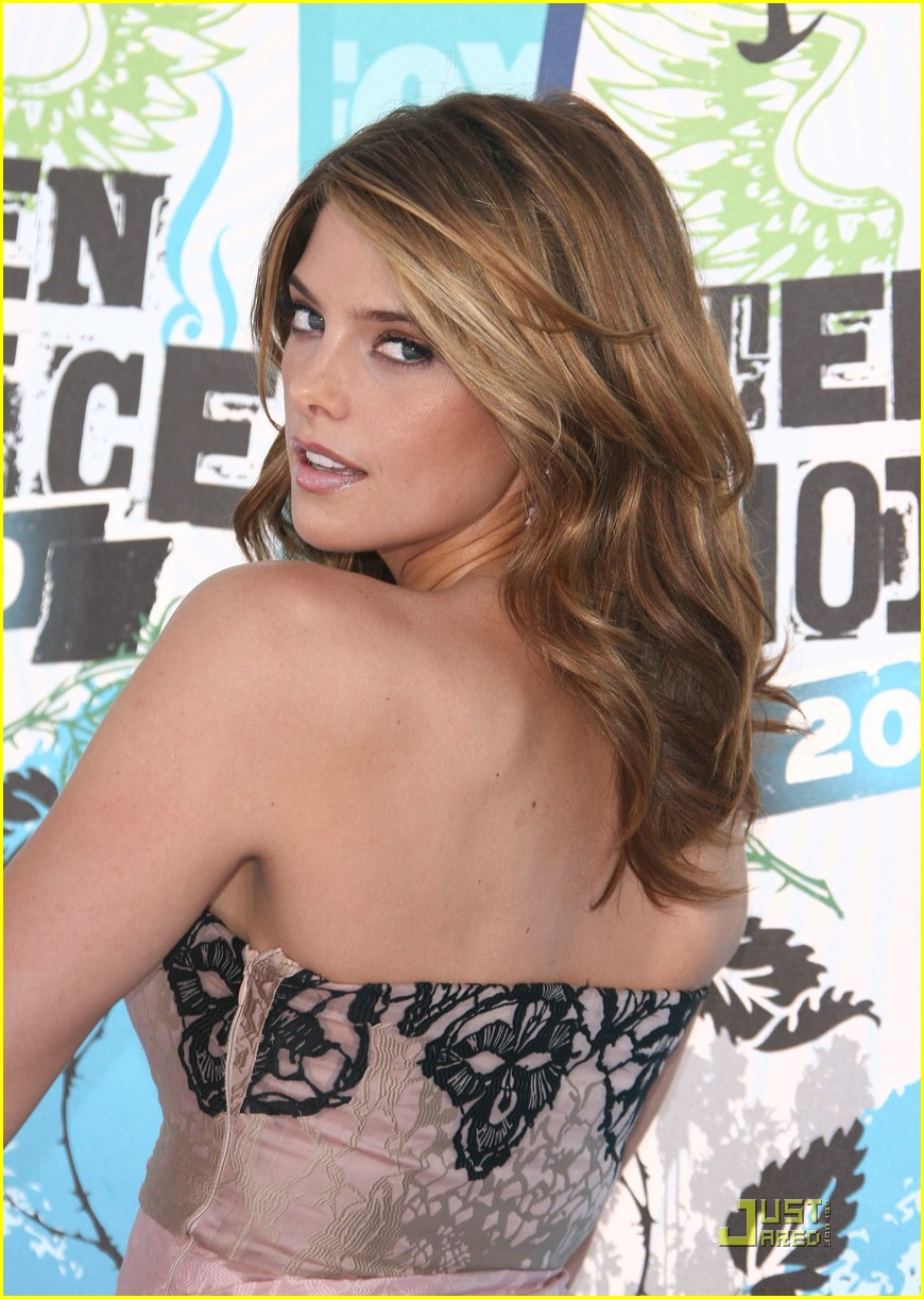ashley greene 2010 tca 02