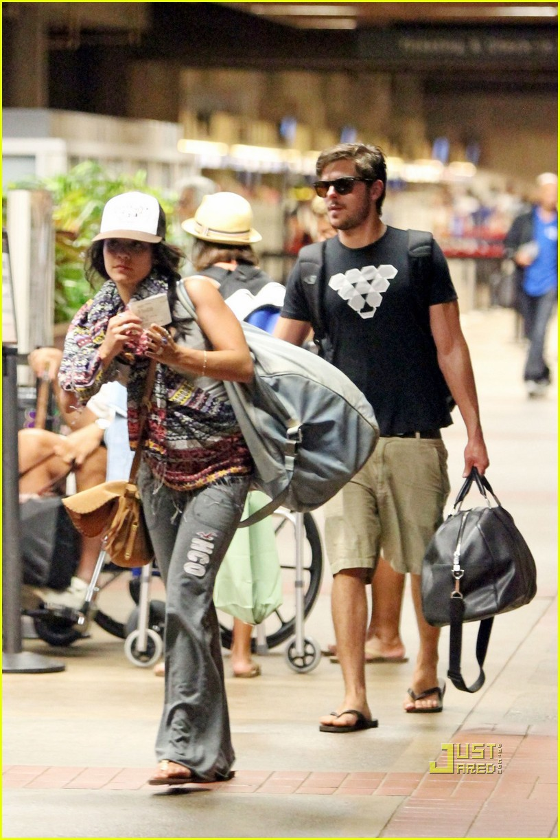zac efron vanessa hudgens hawaii 05