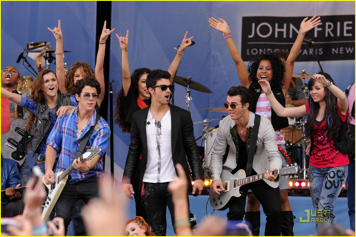 camp rock 2 rumsey nyc gma 15
