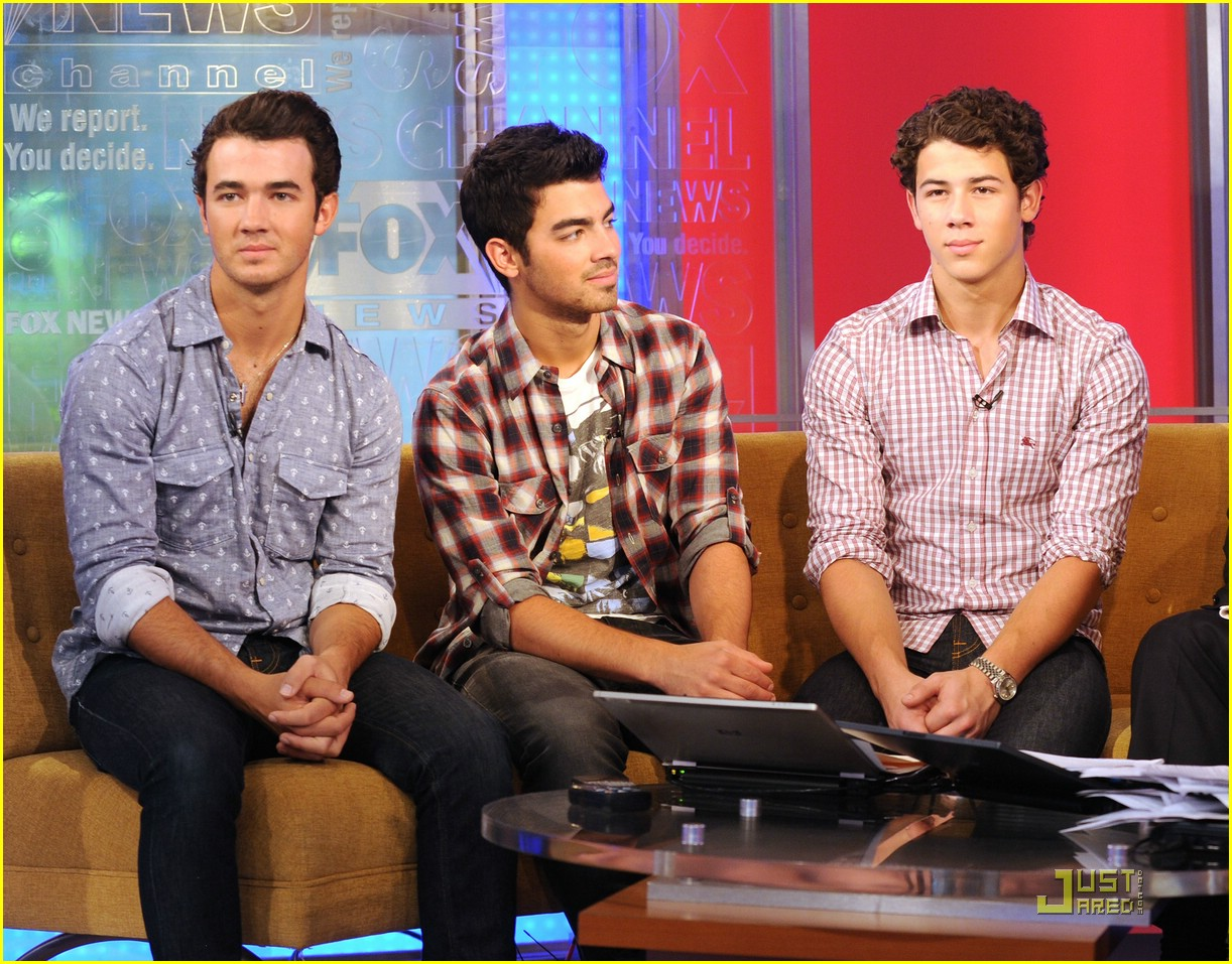 jonas brothers fox friends 01