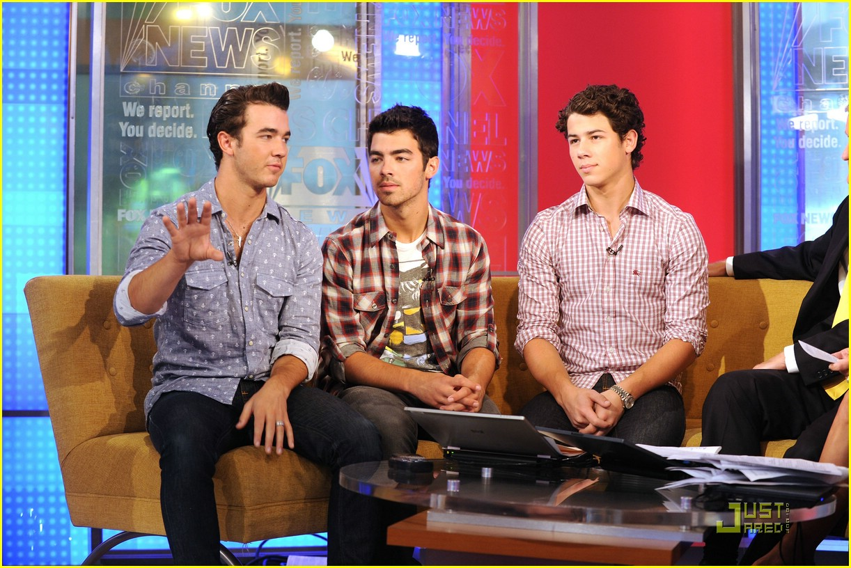 jonas brothers fox friends 09