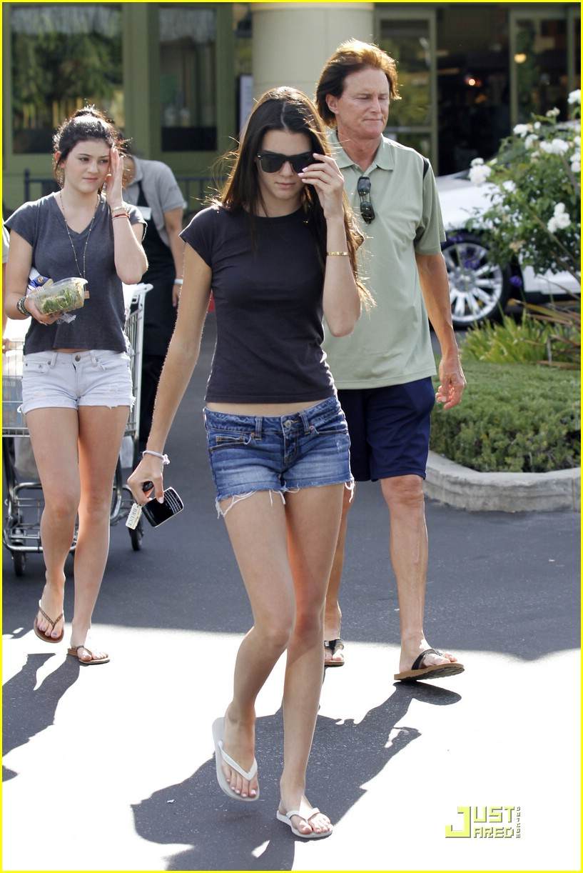 kendall kylie jenner whole foods 06