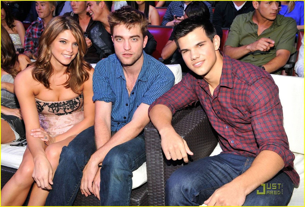 taylor lautner 2010 tcas 02