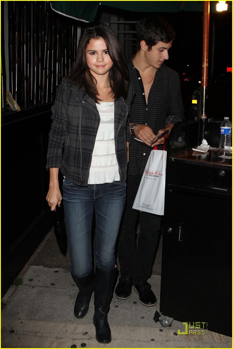Who is Selena Gomez dating Selena Gomez boyfriend husband