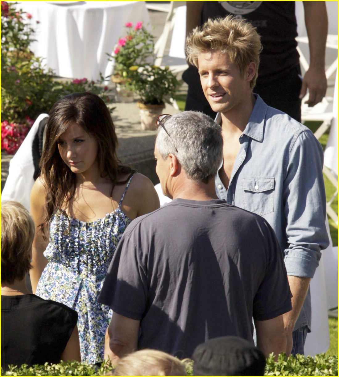 ashley tisdale matt barr date scene 04