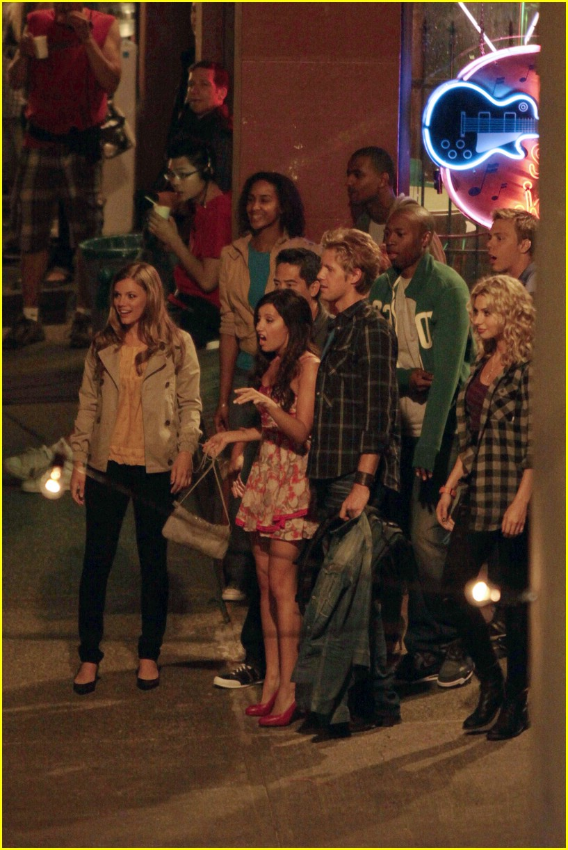 ashley tisdale matt barr date scene 12