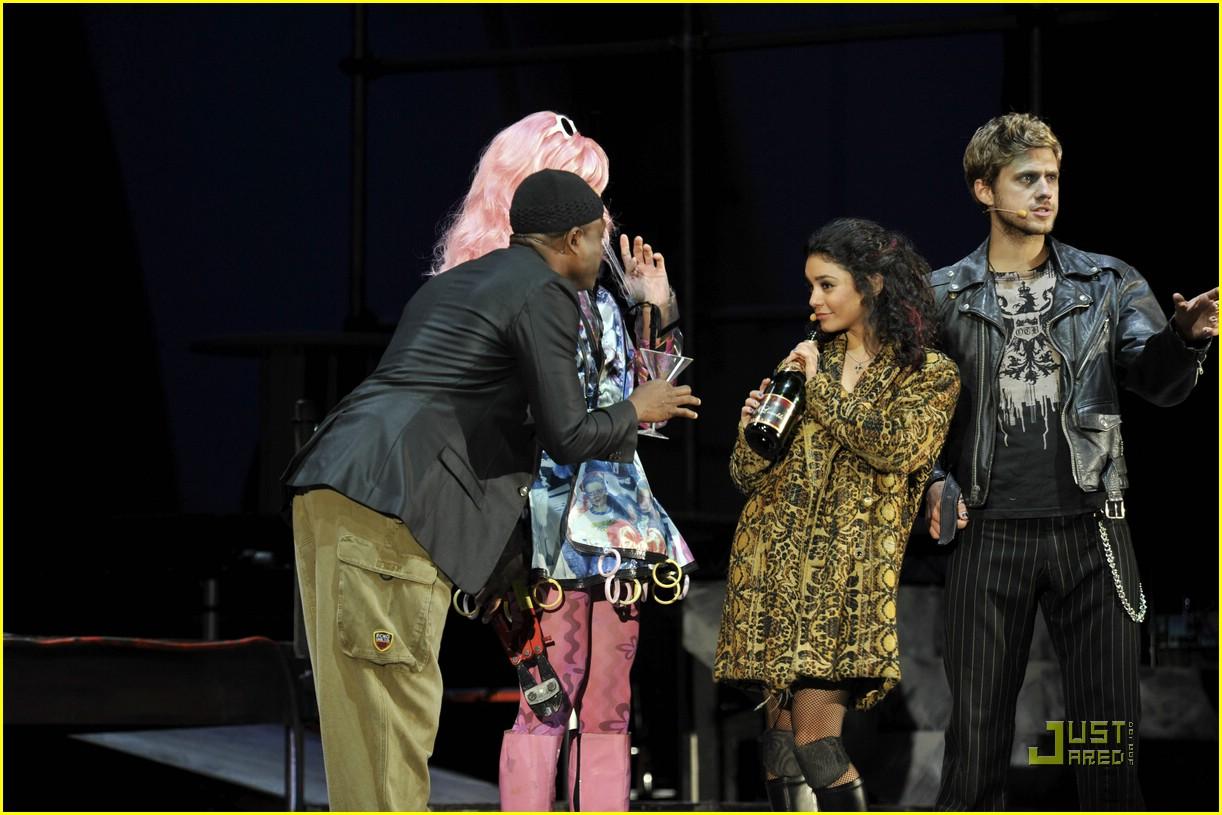 Vanessa Hudgens in Dylan George Jeans - Denimology   Dylan Efron And Stella Hudgens