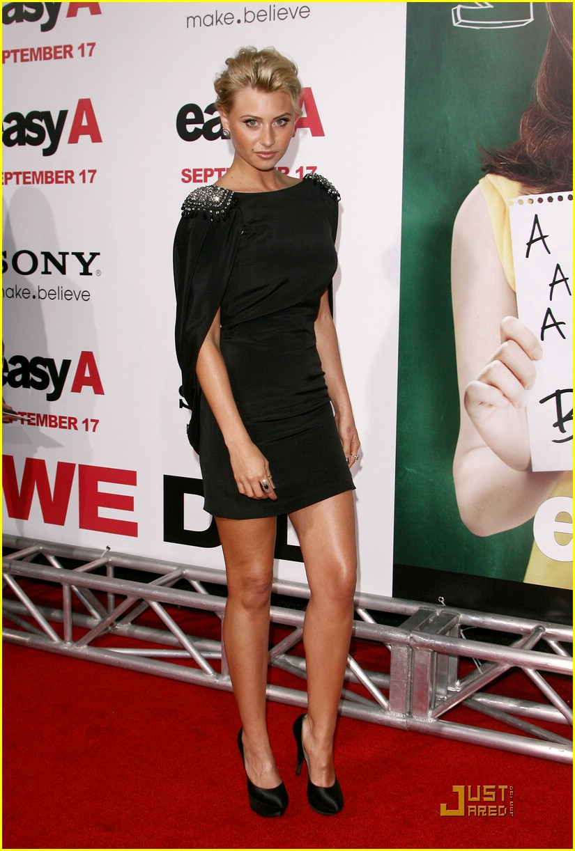 aly michalka easy a 09