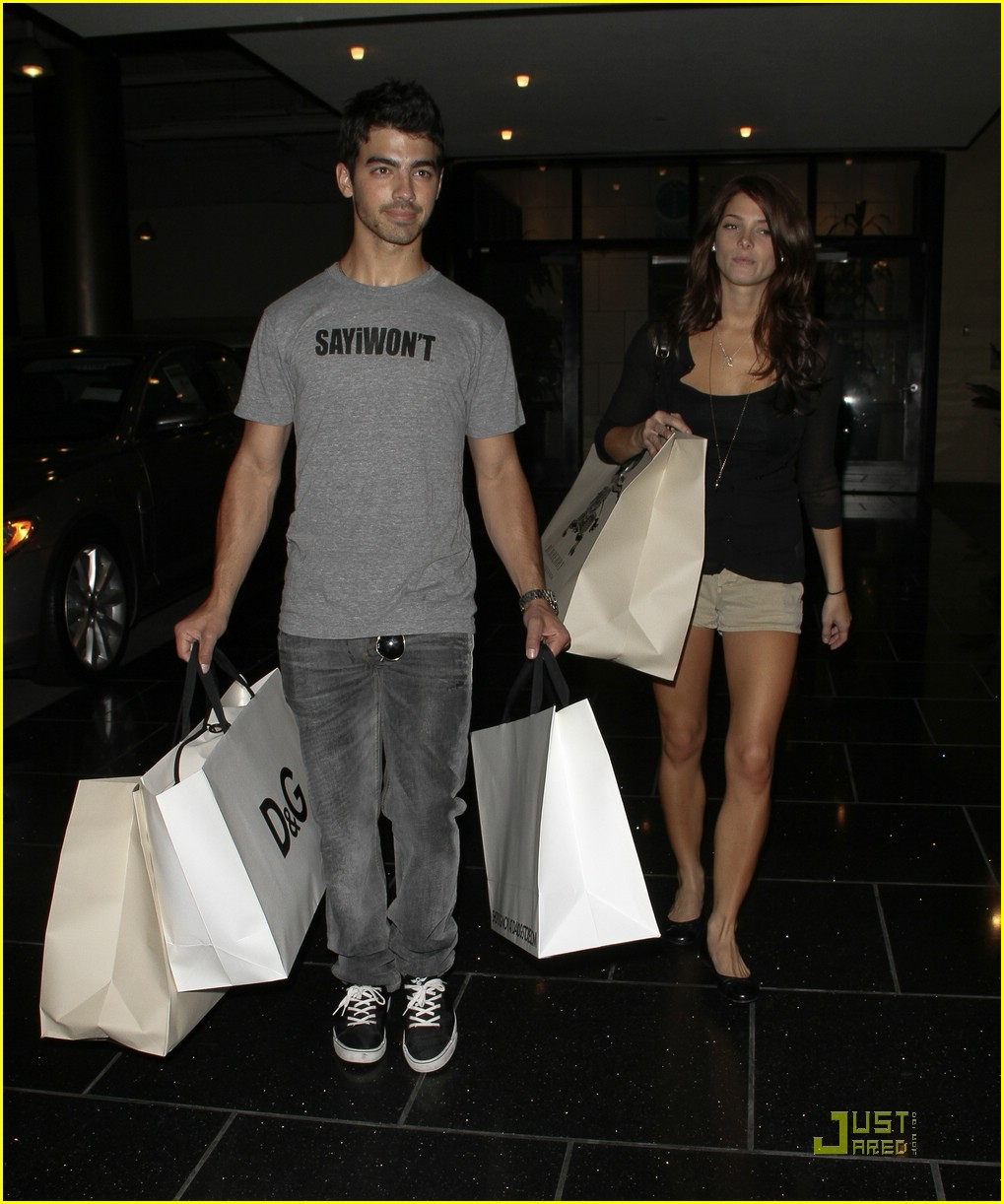 joe jonas ashley greene dg 10