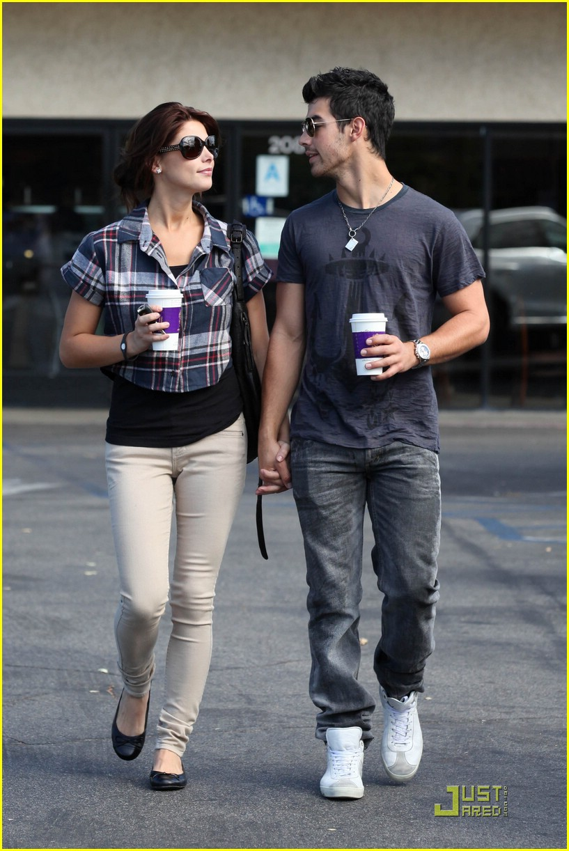 joe jonas ashley greene dg 16
